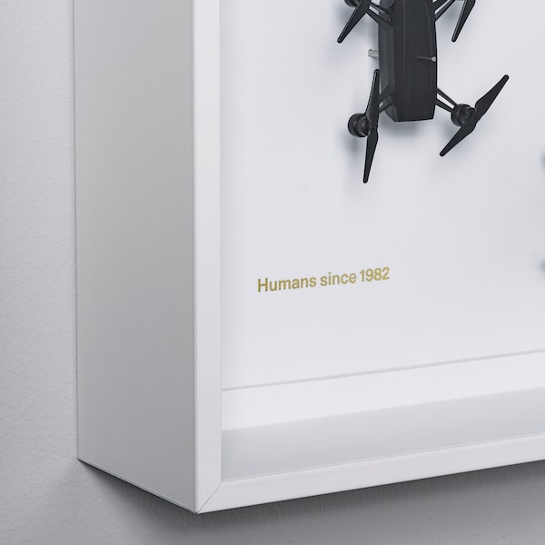 IKEA ART EVENT 2021 Nástenná dekorácia, motív drónu biela, 50x50 cm