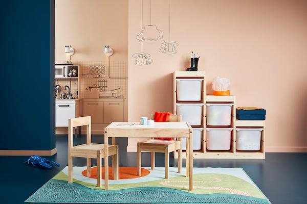 LÄTT Detský stôl, 2 stoličky, biela/borovica