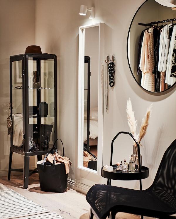 LINDBYN zrkadlo čierna 80 cm