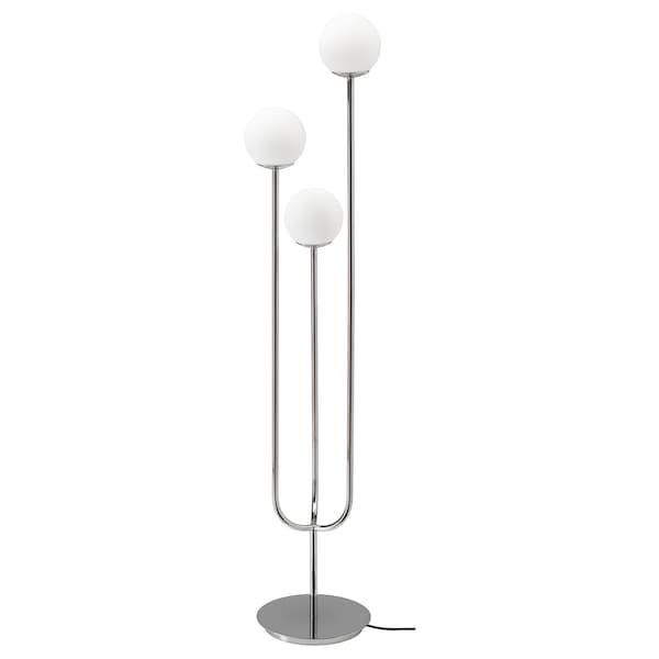 SIMRISHAMN Stojacia lampa, pochrómované/opálová biela sklo