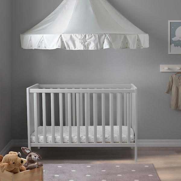 SUNDVIK Detská postieľka, sivá, 60x120 cm