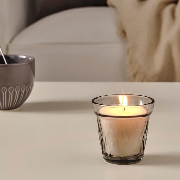 VÄLDOFT vonná sviečka v skle Slané sladkosti/sivá 8 cm 8 cm 25 hr