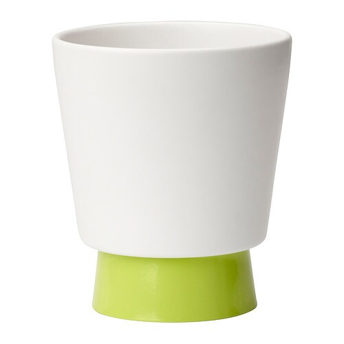 CASHEWNÖT Plant pot with saucer   You can easily change the look of the plant pot by turning over the saucer and using it the other way.