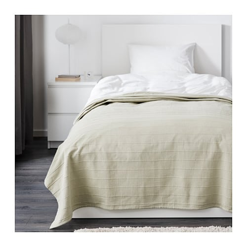 FABRINA Bedspread   The thicker threads woven into the cotton fabric give this bedspread a lively texture.