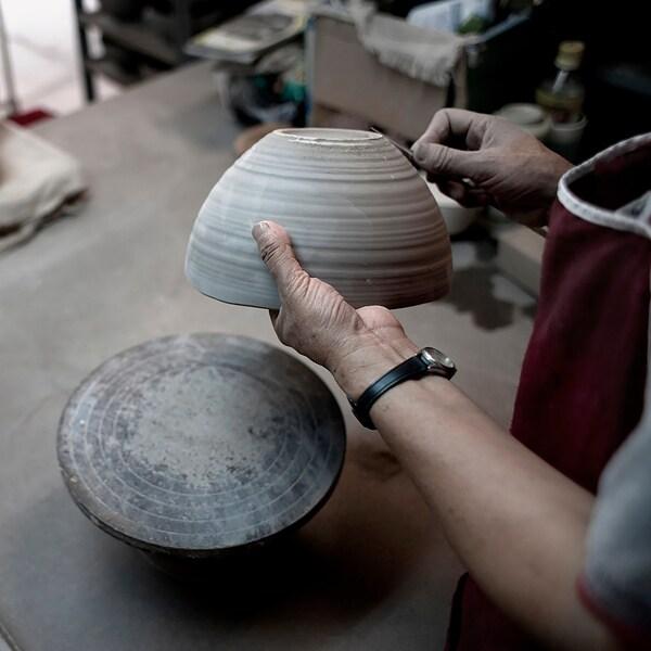 VINTER 2020 Bowl, handmade white/red, 11 cm