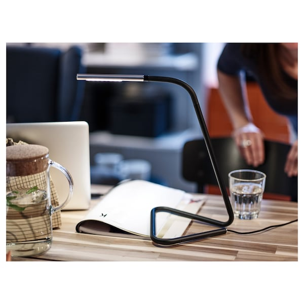HÅRTE ฮวร์ตเต โคมไฟ LED โต๊ะทำงาน, ดำ/สีเงิน
