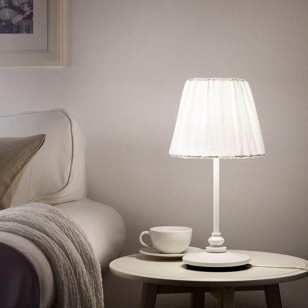 ÖSTERLO เอิสเตร์ลู โคมไฟตั้งโต๊ะ
