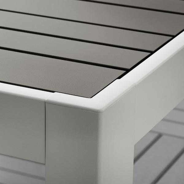 SJÄLLAND แควลันด์ โต๊ะ+เก้าอี้วางแขน 2 ตัว กลางแจ้ง, เทาเข้ม/คุดดาร์นา เบจ, 71x71x73 ซม.