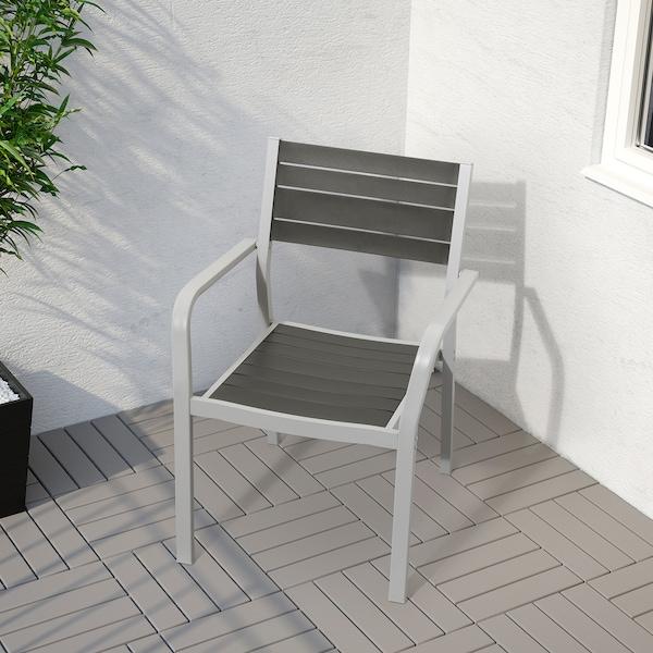 SJÄLLAND แควลันด์ โต๊ะ+เก้าอี้วางแขน 2 ตัว กลางแจ้ง, เทาเข้ม/คุดดาร์นา เทา, 71x71x73 ซม.