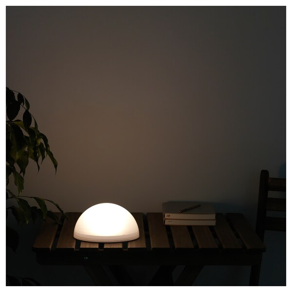 SOLVINDEN ซูลวินเดน หลอดไฟ LED พลังงานแสงอาทิตย์, เฟอร์นิเจอร์สนาม/ครึ่งวงกลม ขาว