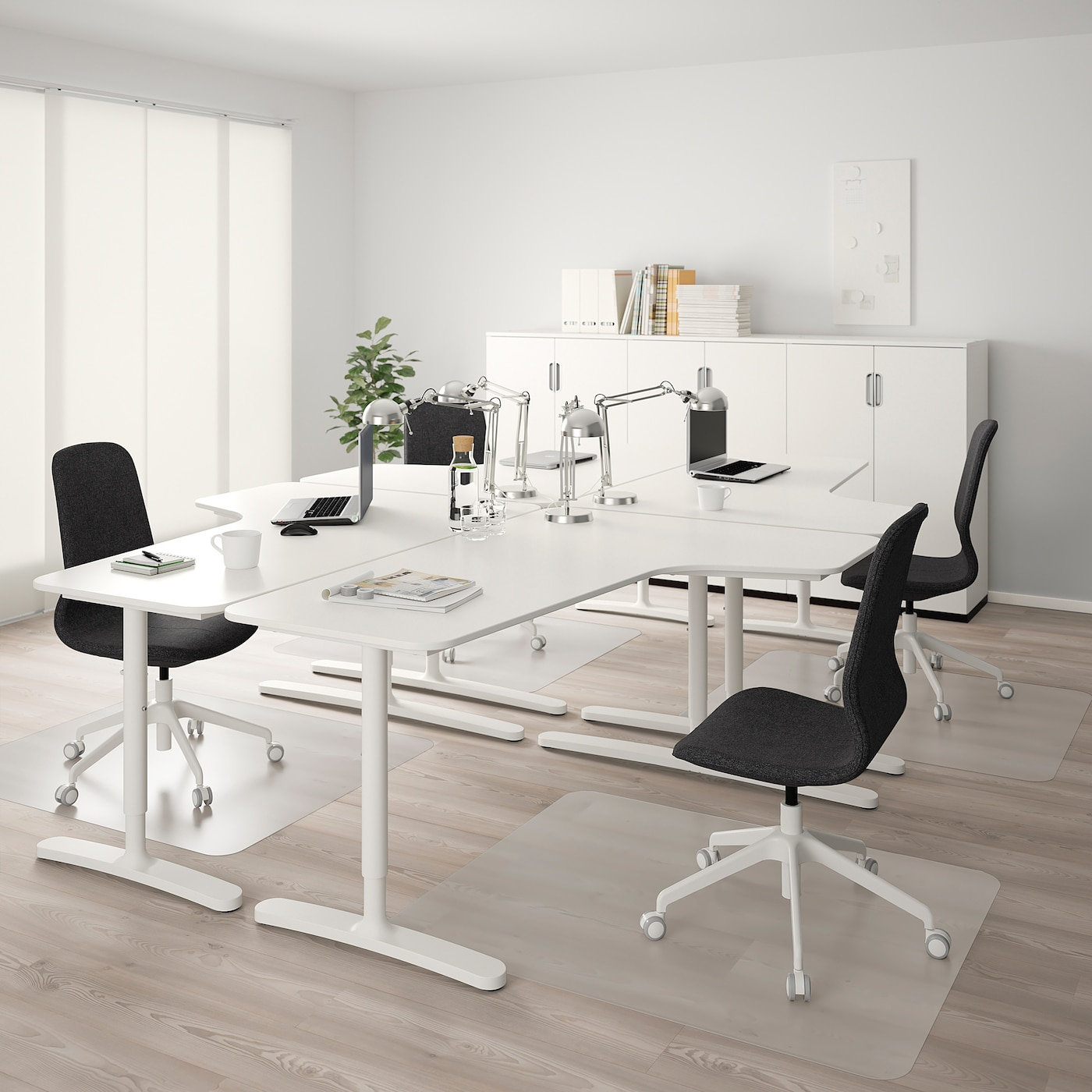 Corner office desk LARGE RIGHT HAND DESK ONLY NO DESK TIDY ##