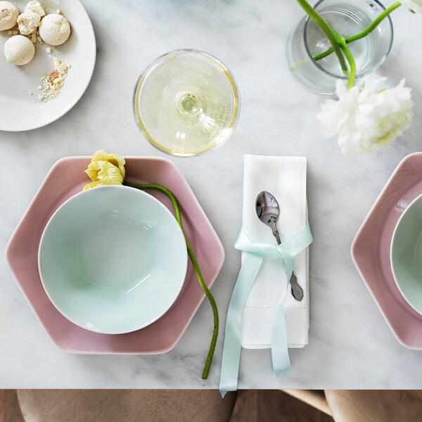 """FORMIDABEL Plate, light pink, 9 """""""