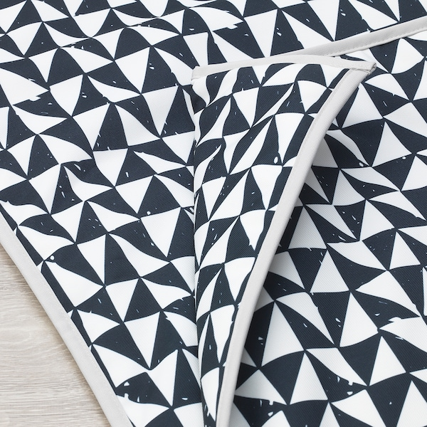"LURVIG Blanket, black/triangle, 39 ¼x59 """