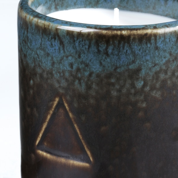 OSYNLIG Scented candle in pot, Tobacco & Honey/black blue, 2 ¾ ""