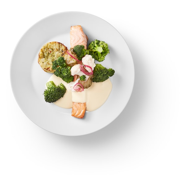 Salmon fillet, vegetable medallion hollandaise