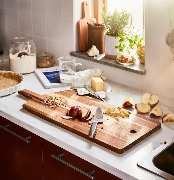 "SMÅÄTA Chopping board, acacia, 28 ¼x11 """