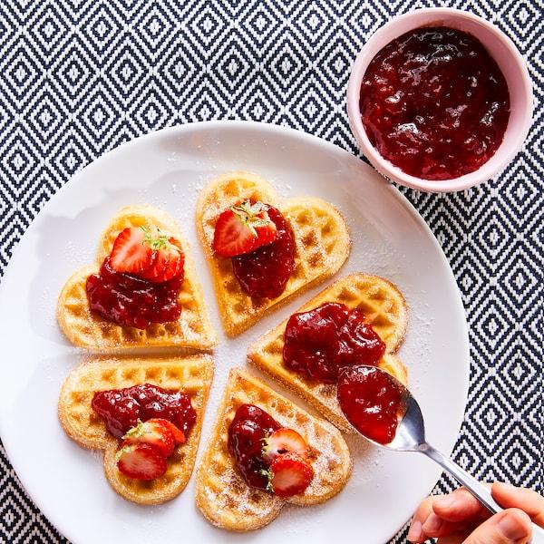SYLT JORDGUBB Strawberry jam, organic, 14.1 oz