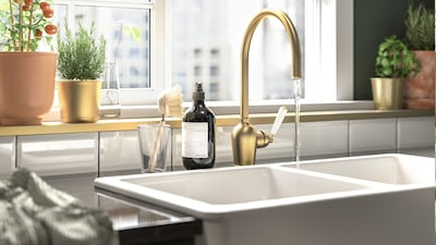 Kitchen faucets & sinks